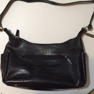 Maxime leather purse with shoulder strap.